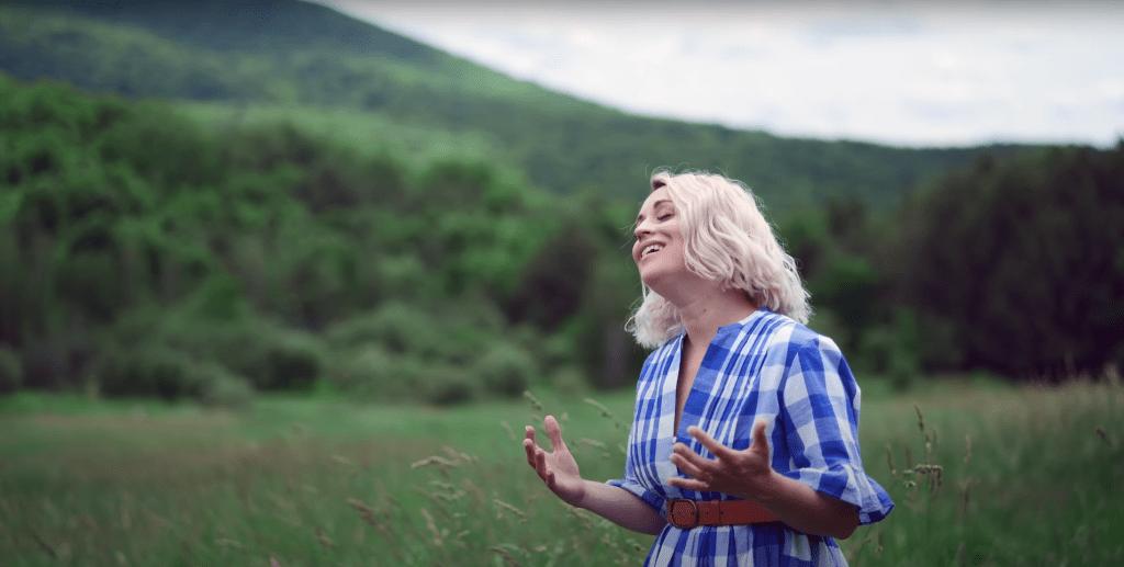 Métamorphose | Émilie Charette (Clip Officiel)