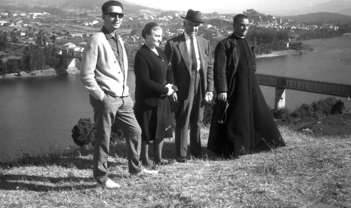 Tío cura, dueño de Telefunken Panchito. excursión Portugal- Radioexperto.com