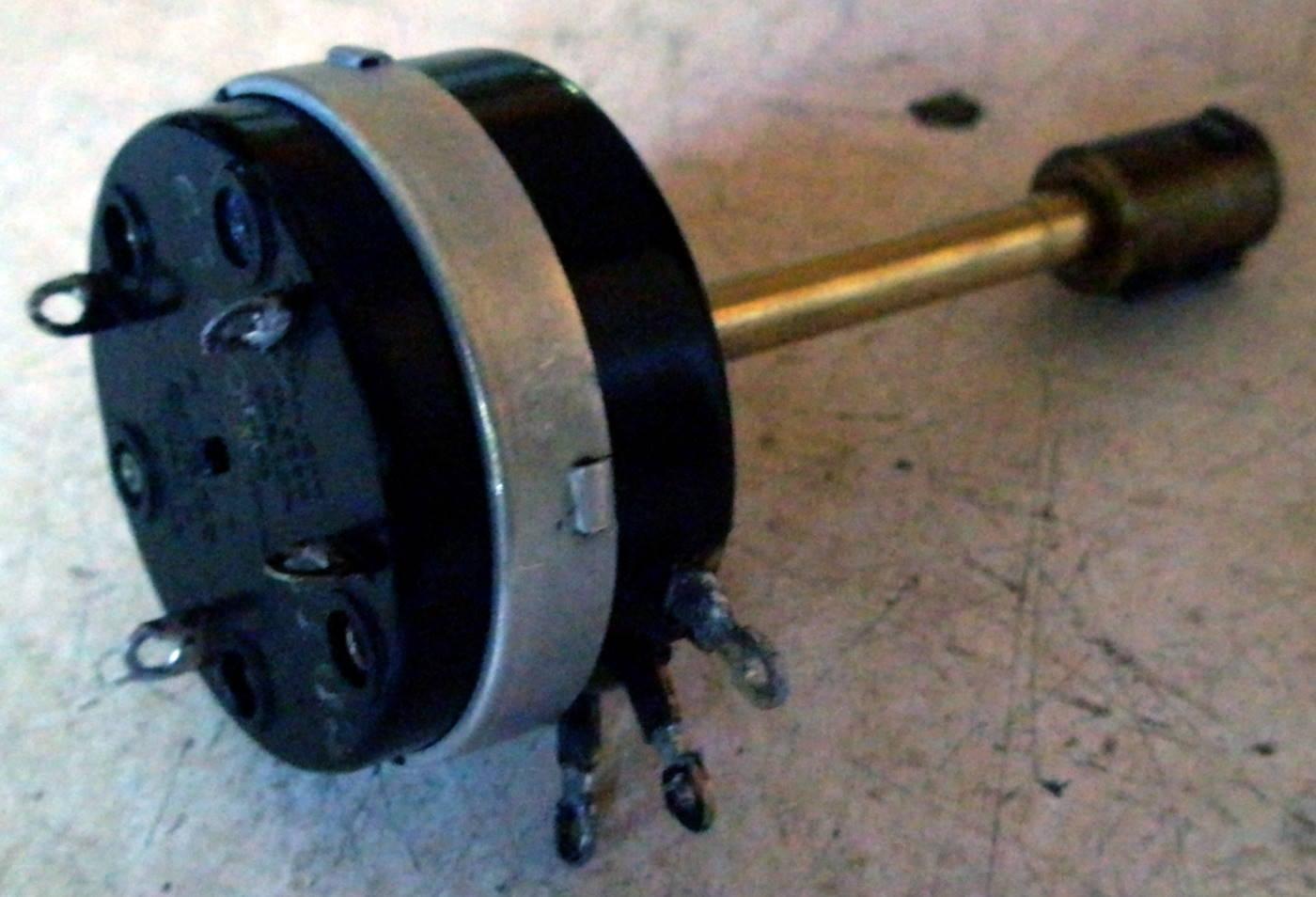 Reparación Potenciómetro radio antigua - Autoradio Philco mod 7 - 24