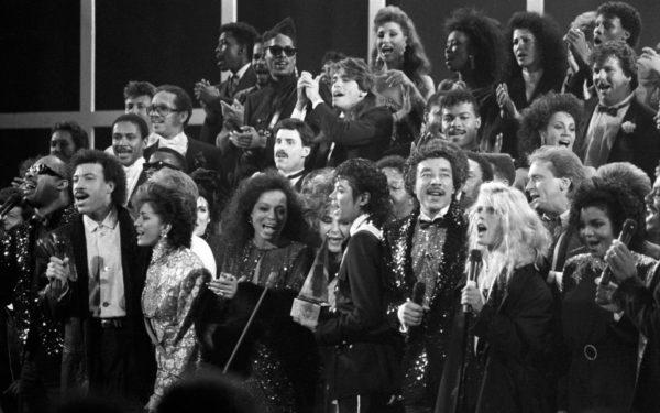 Stars Singing at Awards Show