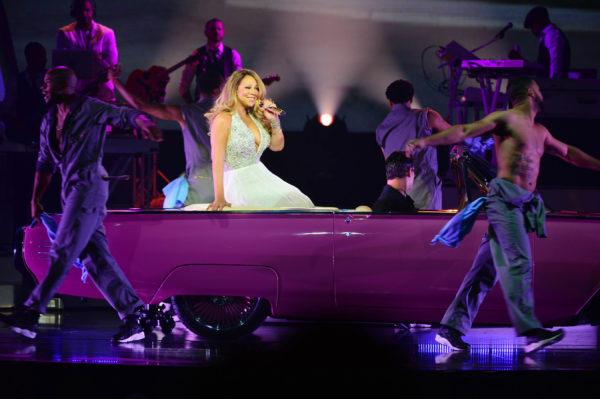 Mariah Carey Sizzles in Las Vegas Debut