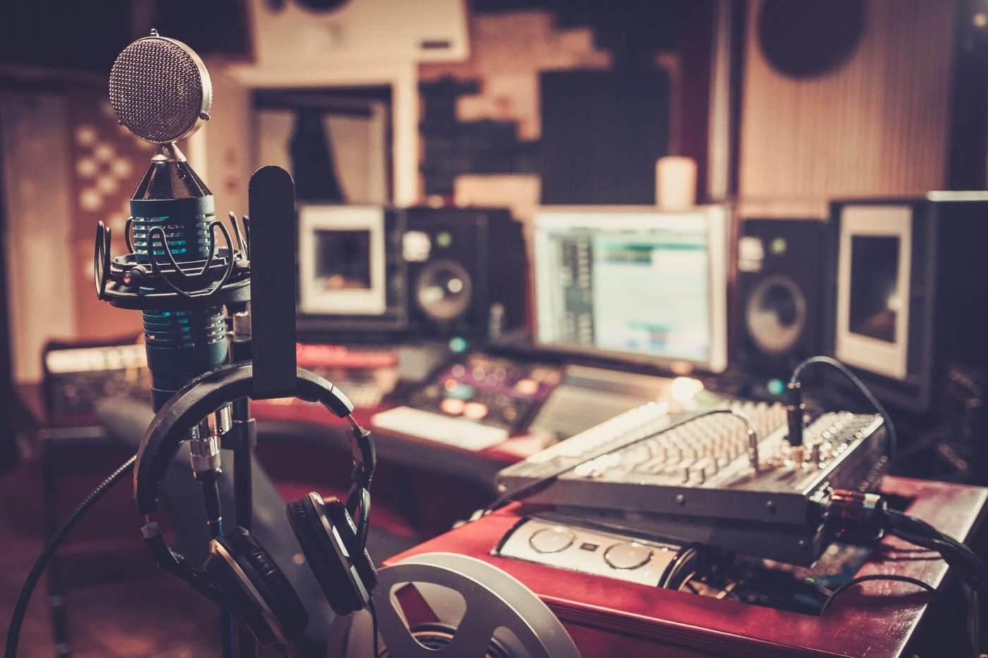 radio facts,radio djs,urban adult,Urban Radio,urban radio personalities, rap radio stations,r&b radio station, hip hop radio, black female singers