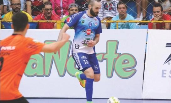 Futsal: Foz renova com Léo Costa