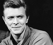 BBC Radio 4 + 6: Bowie Five Years On – Dancing Out In Space