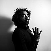 Der Bassist Harish Raghavan im Portrait