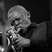 """""""Home Is Where the Heart Is"""" Der südafrikanische Trompeter Hugh Masekela von Bert Noglik"""