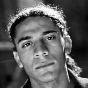 """""""Ein viel zu kurzes Dichterleben"""" Über den dänisch-palästinensischen Dichter Yahya Hassan Von Marc Bädorf"""
