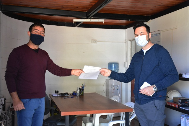 Firma de un convenio en el Parque Industrial