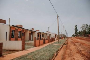 4 Entrega de 21 viviendas en el Barrio Las Leñas