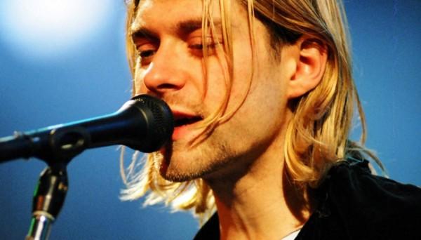 Se subasta todo, desde el suéter de Kurt Cobain hasta un mechón de pelo de John Lennon - kurt-600x342