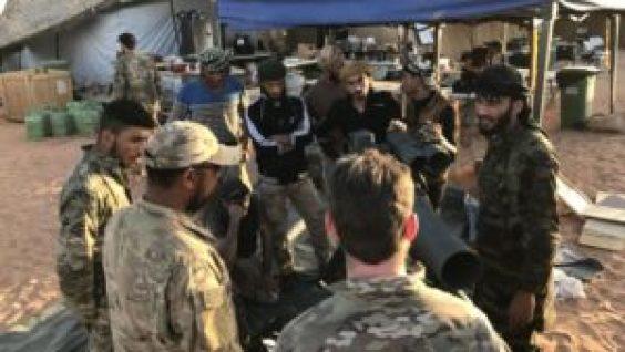 Fotos: Militares de EEUU se adentran en el sur de Siria - 16374528-300x169