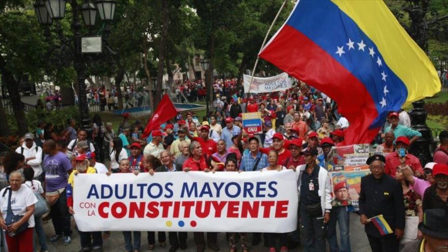 Una movilización de adultos mayores en Venezuela apoya la convocatoria a la Asamblea Nacional Constituyente, Caracas, 12 de mayo de 2017.