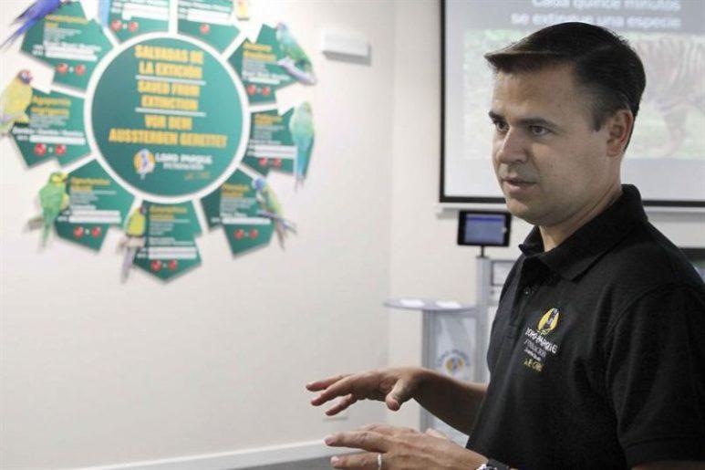 Rafael Zamora, director de la Fundación Loro Parque, durante su entrevista con EFE. EFE/Cristóbal García