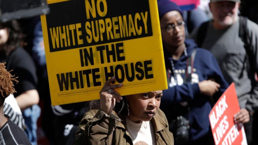 'Latinos de EEUU temen más a la policía durante mandato de Trump' - 09561067_xl