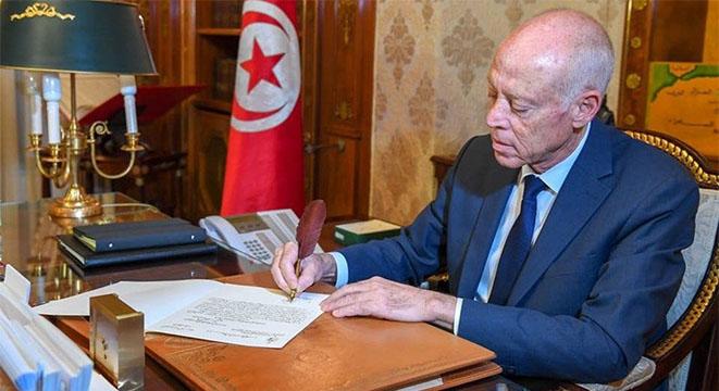 رئيس الجمهورية يختم غدا قانون التفويض لرئيس الحكومة في إصدار المراسيم