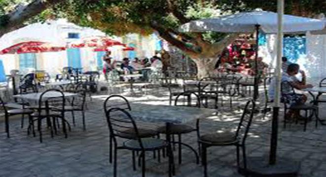 رسمي: سحب الكراسي و الطاولات من جميع مقاهي الجمهورية
