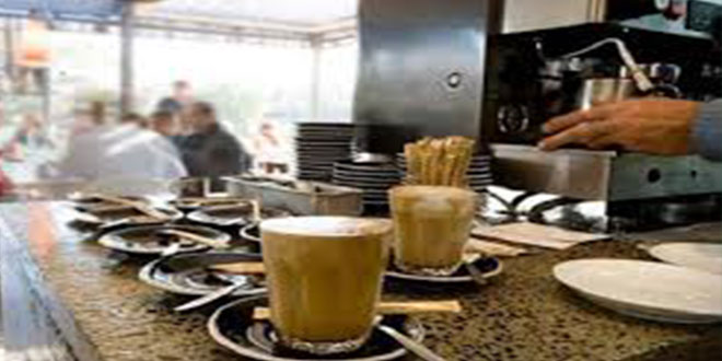 المشيشي: غلق المقاهي قابل للتعديل حسب تقييم اللجنة الوطنية لمجابهة فيروس كورونا