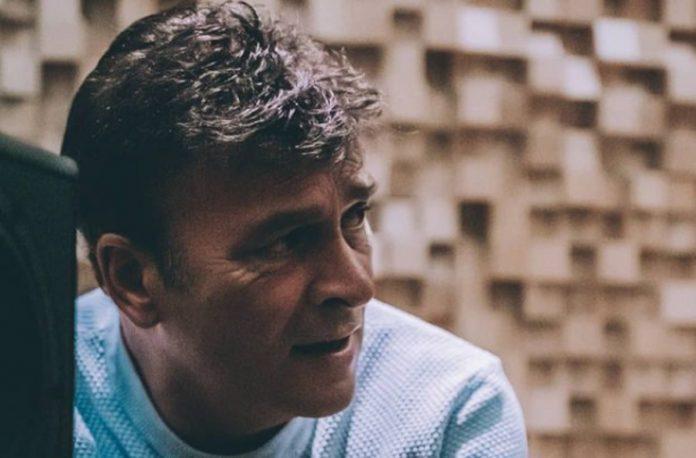 Irmão de Tony Carreira garante que o cantor está a recuperar bem