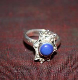 El anillo de la piedra azul