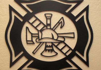"""""""Cruz de Malta"""". Símbolo universal representativo de los bomberos."""