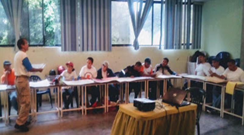 CEMAG dicta taller de Cartografía a socorristas de la Cruz Roja.