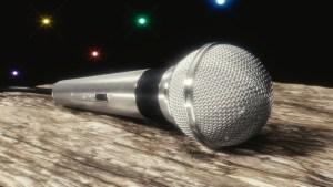 Microphone déposé sur une table