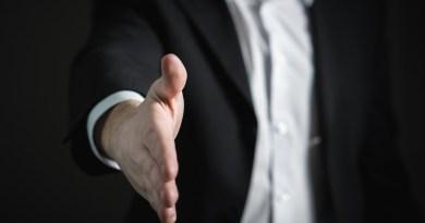 Un employeur qui tend la main