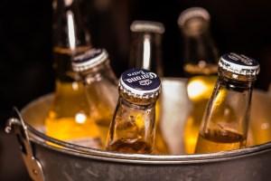 Seau rempli de bières
