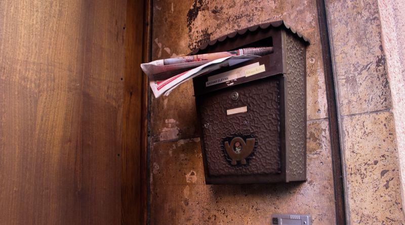 Une boîte aux lettres qui déborde