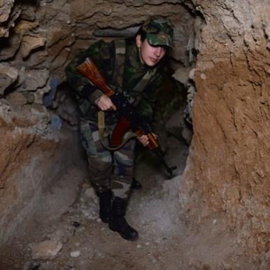 جنود الجيش العربي السوري من بلدة الدخانية بريف دمشق