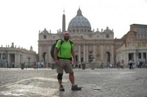 Il massone Vesin giunto a San Pietro dopo 39 giorni di marcia