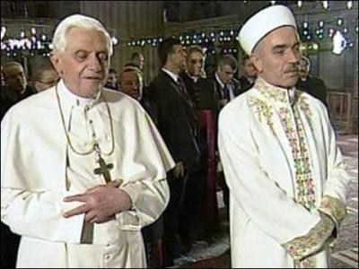 J. Ratzinger: Cattolici e Musulmani adorano lo stesso Dio. La Chiesa stima i credenti musulmani
