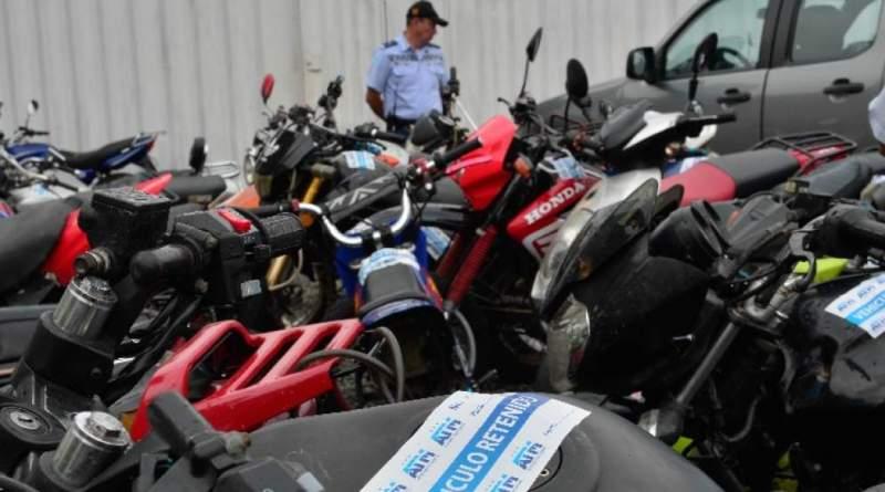 La mañana de este martes 19 de septiembre, El Gobierno Nacional a través del Ministerio del Interior, en su informe semanalde actividades, indica que 24 motocicletas están retenidas por diferentes causas en la Policía Nacional en Puerto Francisco de Orellana.