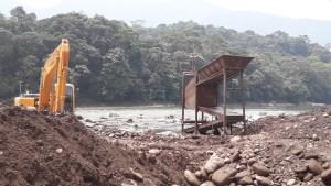 Comunidades y organizaciones indígenas se unen para denunciar nuevas concesiones mineras en la cabecera del rio Aguarico