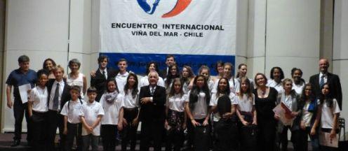 Jovens músicos das três orquestras brasileiras ( Tijucas, Florianópolis e São Joaquim)que participaram do Encontro no Chile
