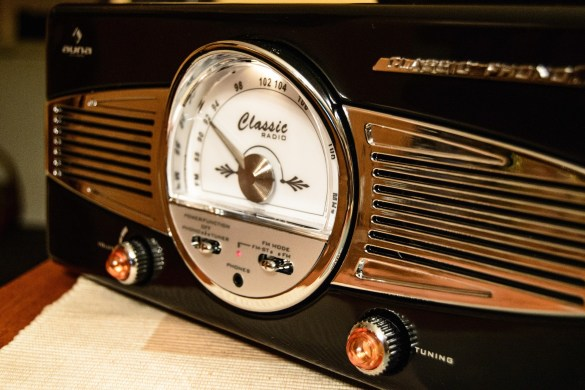 Oldtime radio dial with knobs on each side