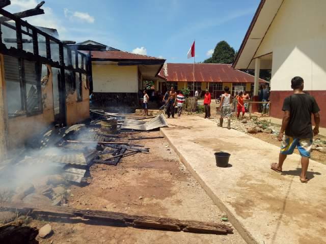 Jago Merah Lahap Rumah Dinas Guru di Sungai Kunyit, SBJ