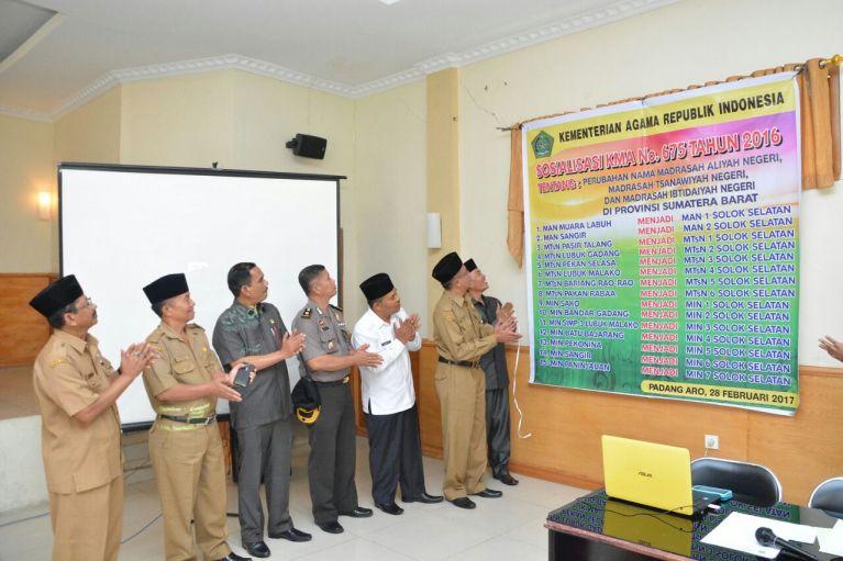 Seluruh Madrasah di Solok Selatan Berubah Nama