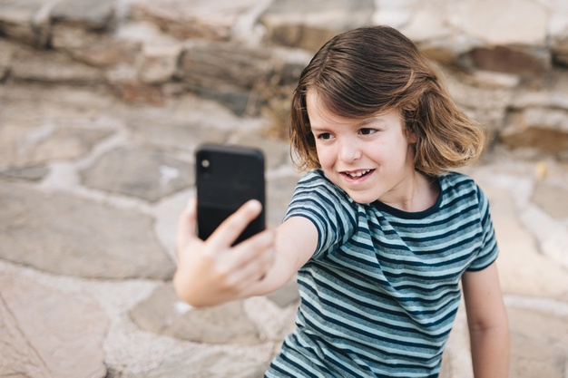 Cita-cita Anak Mau Jadi Youtuber, Harus Bagaimana ?