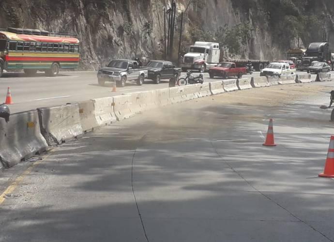 Combustible derramado en la cuesta de Villa Lobos