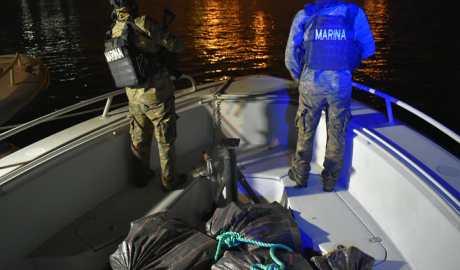 Localizan 36 tulas con posible cocaína en aguas internacionales del pacífico