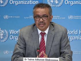 """صورة منظمة الصحة العالمية تدين المقترحات """"العنصرية"""" لاختبار لقاح كوفيد-19 في إفريقي"""