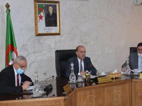 صورة جائحة كورونا: وزير الداخلية يدعو الولاة إلى اتخاذ إجراءات عاجلة وأكثر صرامة
