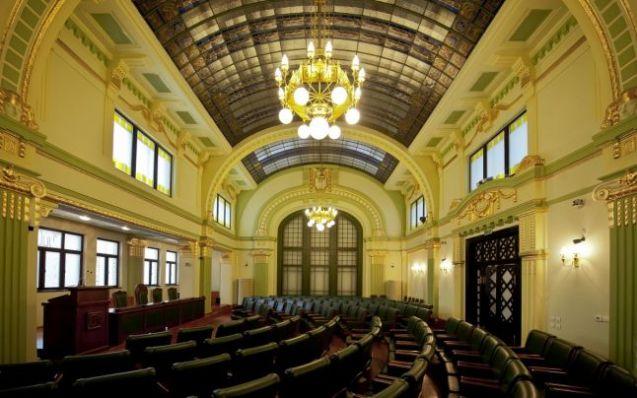 sala senatului upt Lloyd 1