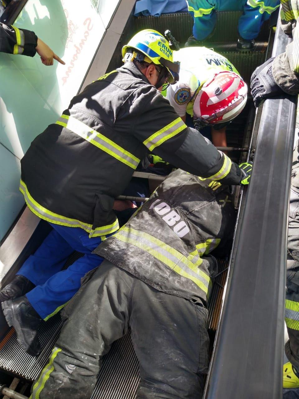 HOMBRE FALLECE EN ESCALERAS ELÉCTRICAS DE CENTRO INSURGENTES