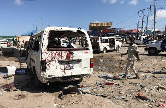 ATENTADO EN SOMALIA DEJA AL MENOS 76 MUERTOS