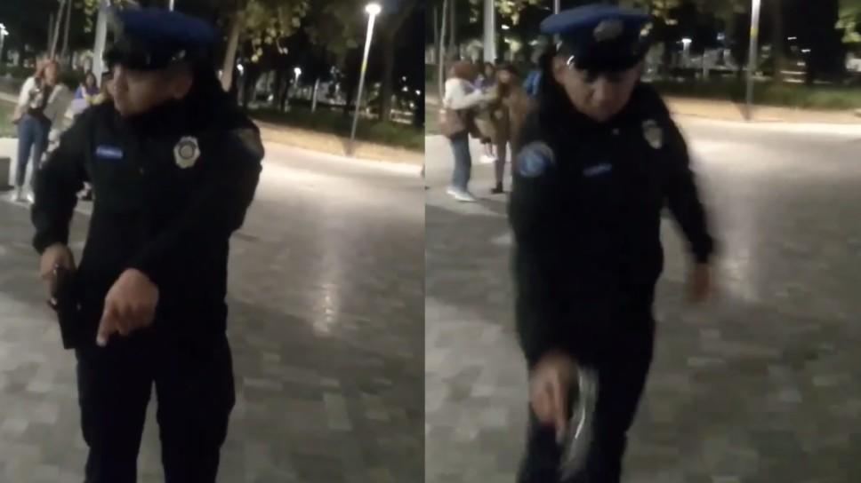 VIDEO: POLICÍA DESENFUNDA SU ARMA CONTRA PERRO EN LA ALAMEDA CENTRAL
