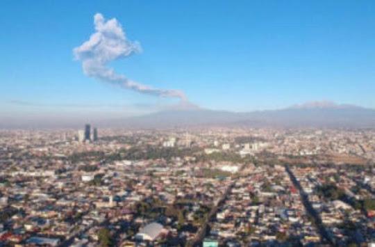 EMITE DON GOYO 179 EXHALACIONES ACOMPAÑADAS DE VAPOR DE AGUA, GASES VOLCÁNICOS