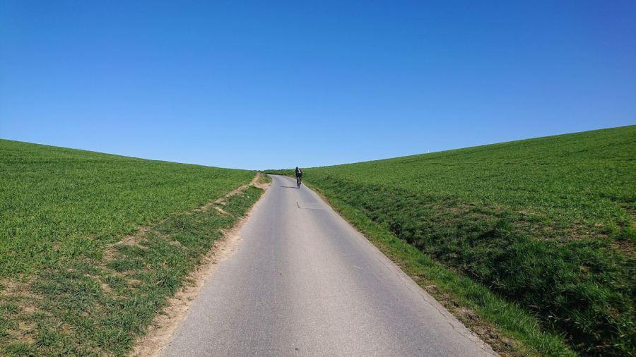 Durch die Landschaft hoch, Strecke des Monats April