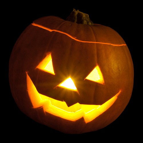 Don't Buy Halloween Treat Bags — Make Your Own at Radwyn Apartments!